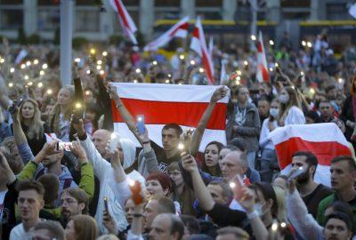 La Minsk, zeci de mii de manifestanti inca protesteaza, in ciuda presiunii politiei