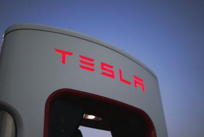 Battery Day: Tesla dezvaluie o baterie de doua ori mai ieftina si mai puternica