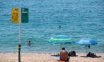 Spania isi redeschide plajele pentru turistii...